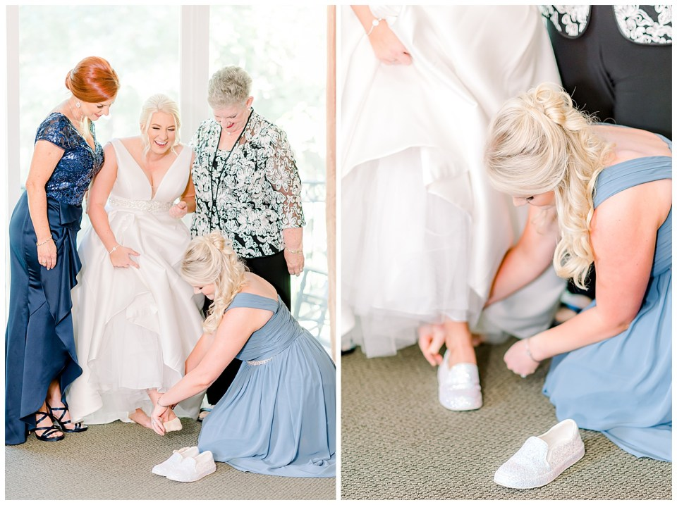 bride getting ready with mom and grandma and sister
