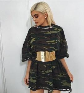 kylie-jenner-gold-belt-corset