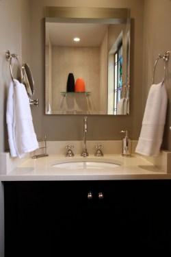 Vanity/Sink Area