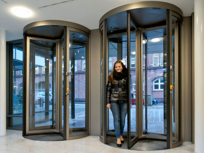 Broadcast Dialogue  Revolving Door