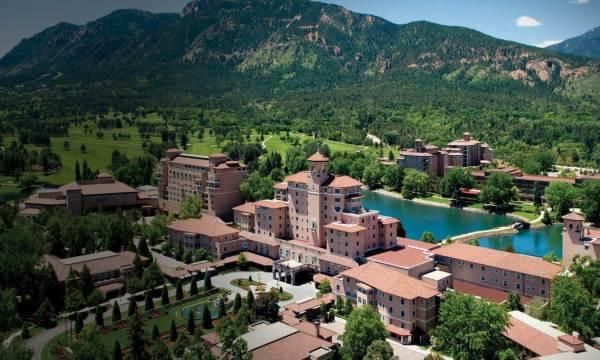 Fine Art In Colorado Springs Broadmoor