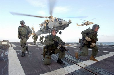 navy_seals_fast_rope.jpg