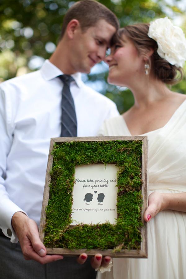 diy moss wedding frame 41