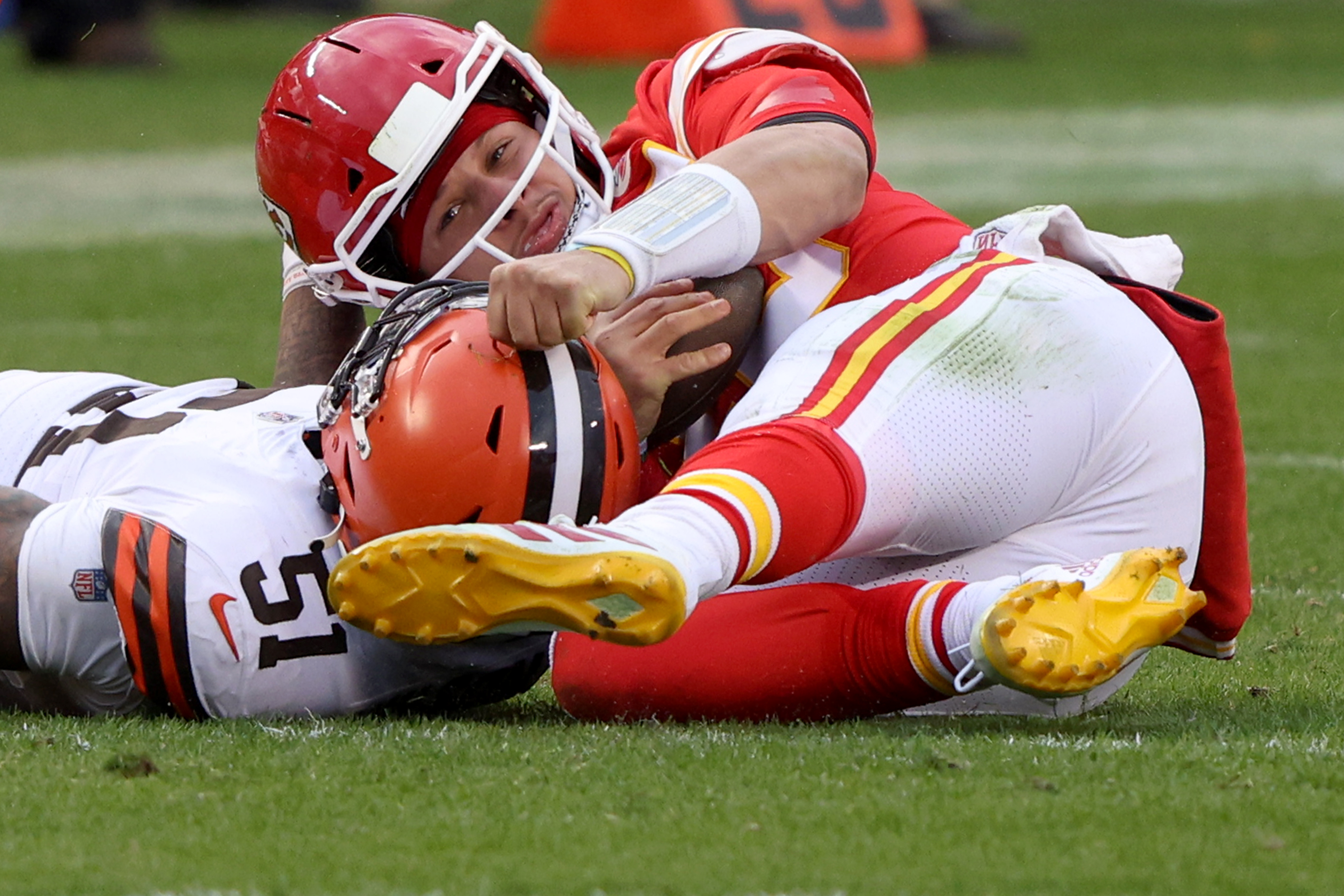 Browns LB Mack Wilson Responds To Patrick Mahomes' Mom After She Called Him 'Evil' Over Hit That Knocked Out Chiefs QB