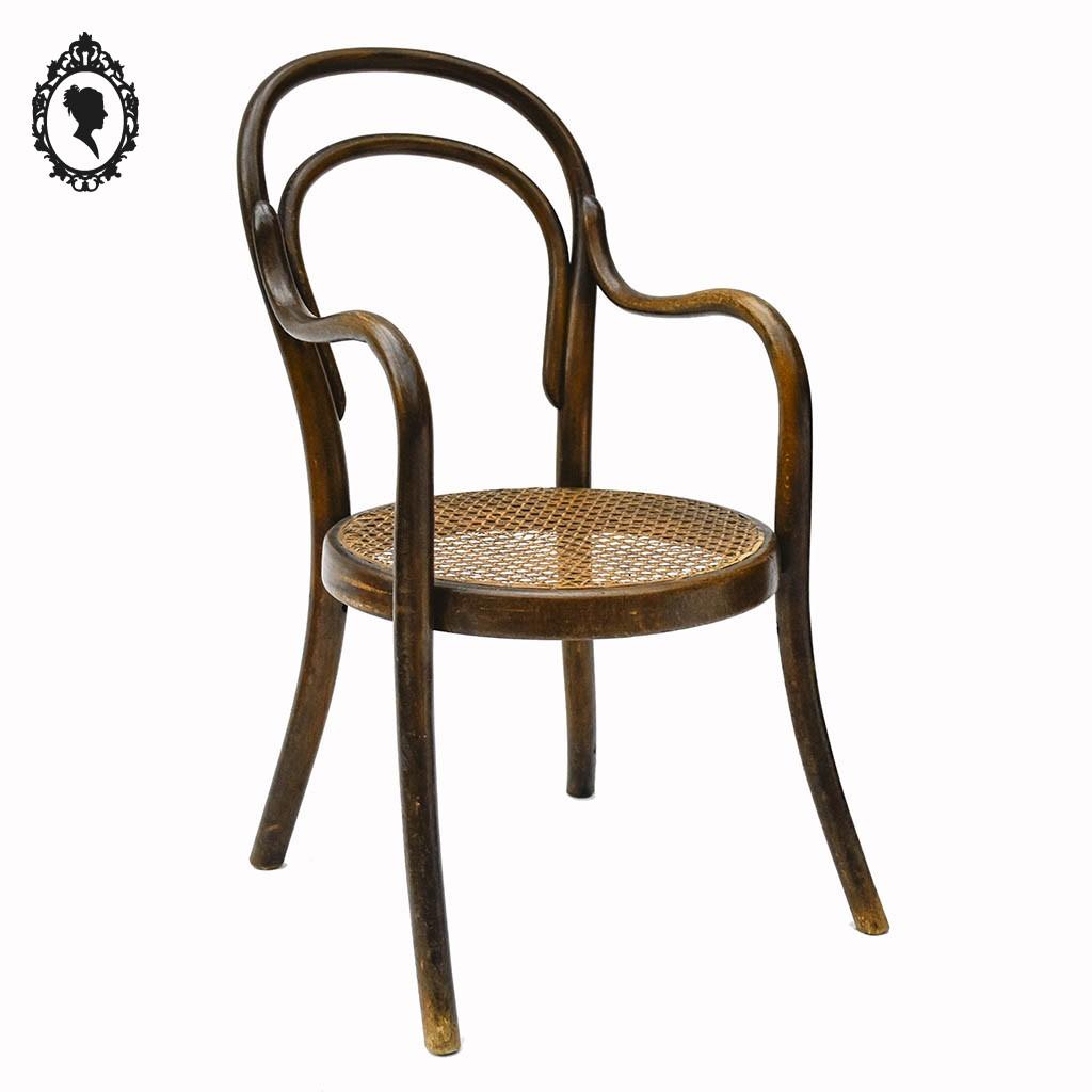 fauteuil chaise enfant bois rond tourne courbe cannage estampille thonet ancien 1900