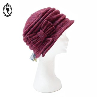 Chapeau, chapeau chic, chapeau cloche, chapeau femme, chapeau élégant, chapeau rouge, chapeau bordeaux, chapeau violet, chapeau prune, chapeau laine, chapeau élégant laine, chapeau femme hiver, chapeau hiver, chapeau chiné, chapeau lit de vin, chapeau taille L, chapeau 58, chapeau Angiolo Frasconi, Angiolo Frasconi, accessoire prune, idée cadeau, chapeau hiver, chapeau cloche hiver, chapeau hiver laine, idée cadeau maman, idée cadeau femme, idée cadeau grand-mère, chapeau chic laine, chapeau 58 cm,