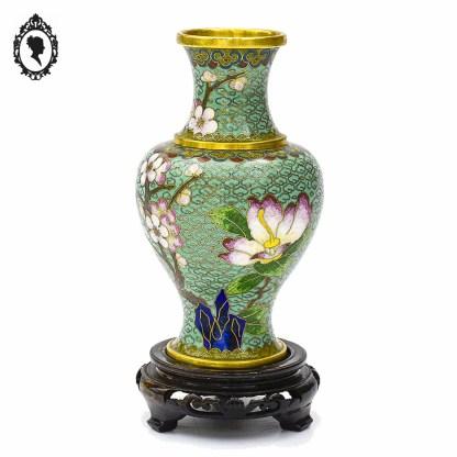 Objet de collection, émaux, émaux cloisonnés, émail cloisonné, objet asiatique, accessoire asiatique, objet de collection, asiatique, objet de décoration, objet de vitrine, objet de vitrine asiatique, vase, vase ancien, vase émail, vase coloré, vase vintage, vase asiatique, vase collection, vase coloré, cadeau, idée cadeau, idée cadeau chic, idée cadeau maman, idée cadeau élégant, idée cadeau original, idée cadeau collection, objet rouge, décoration fleuri, vase fleuri, laiton, pot vintage, cadeau des grands-mères, idée grand-mère, idée cadeau grand-mère, objet de vitrine, objet collection vitrine, objet de collection, objet de qualité, objet qualitatif, vase bleu, vase chinois bleu, vase vert d'eau, vase asiatique vert d'eau, vase émaux cloisonnés vert d'eau, vase asiatique bleu, vase émaux cloisonnés bleu, vase vert d'eau,