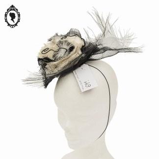 Chapeau, petit chapeau, bibi, bibi tulle, bibi noir blanc, bibi noir, accessoire coiffure, accessoire cheveux, bibi fleurs, chapeau femme, chapeau fille, chapeau élégant, chapeau noir, chapeau femme noir, chapeau femme beige, chapeau été, chapeau cérémonie, chapeau élégant, chapeau paille, chapeau sisal, accessoire chapeau, chapeau décoration, chapeau déco, chapeau noir neuf, chapeau femme noir, Crazy Hat, Chapeau Crazy Hat, chapeau fête, chapeau mariage, chapeau fiançailles, chapeau de mariage, chapeau de soirée, chapeau cocktail, chapeau à porter, chapeau décoration, bibi mariage, bibi cérémonie, casque mariage, bibi froufrou,