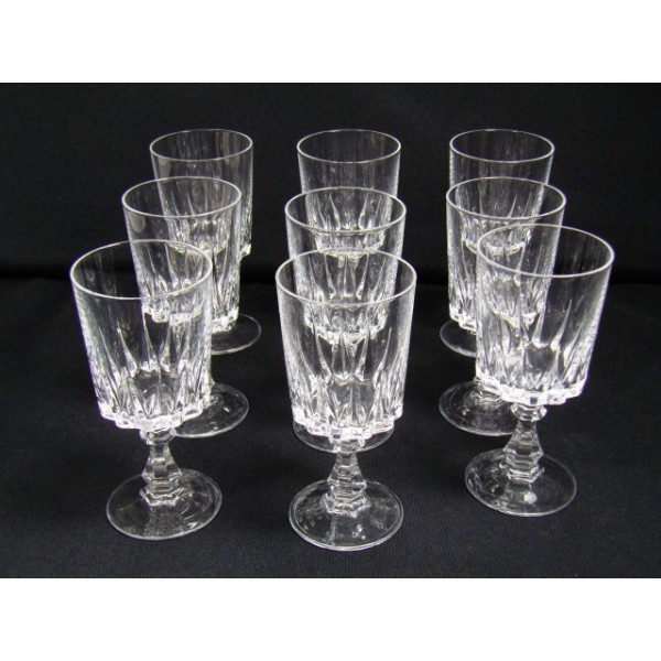 Series Of Crystal Wine Glasses 9 Arques Louvre Model Brocante Lestrouvaillesdecaroline