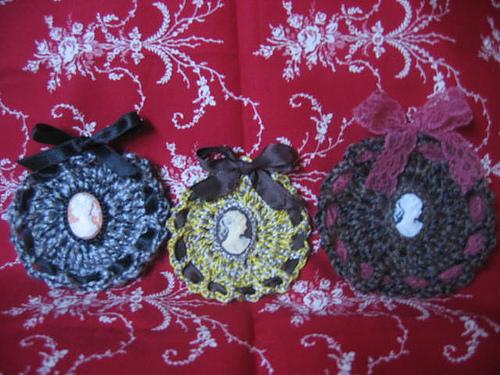 Crocheted_cameos