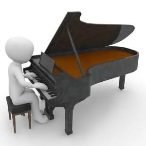 Miniature Pianist