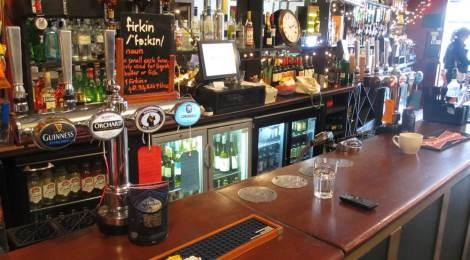The Fox & Firkin - Bar