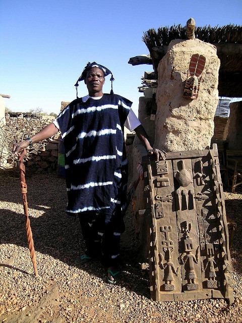 tenue-traditionelle-Dogon-indigo
