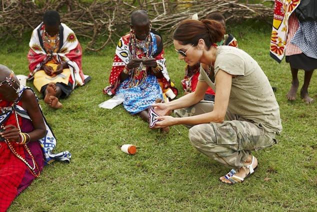 Brodeuses Masaïs et Eugenia Silva une ambassadrice du projet masaï