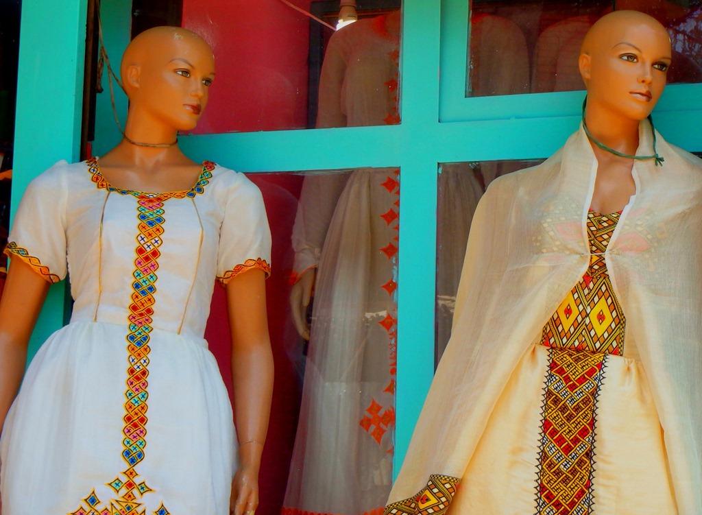 Robes-brodes-ethiopiennes-addis-abeba