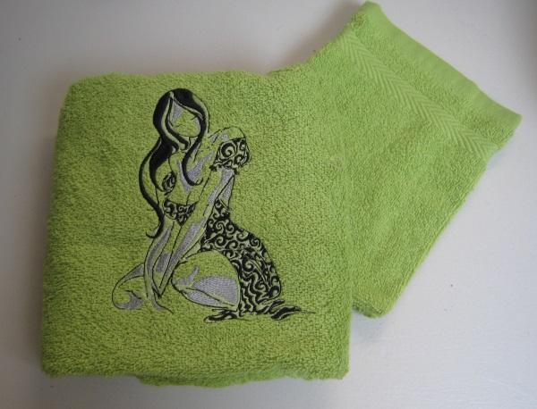 serviette et gant brodée
