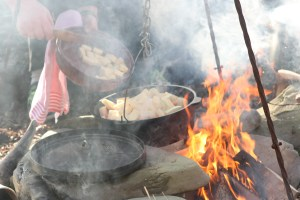 Viking Hiking in Orkney: Cooking over open fire. Viking Hiking tour. Outdoor activities Orkney.