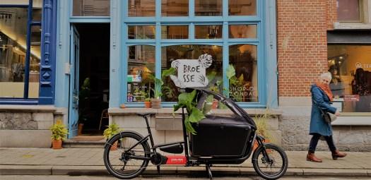 Douze elektrische cargofiets voor levering van groene planten in Gent en omgeving door Broesse.