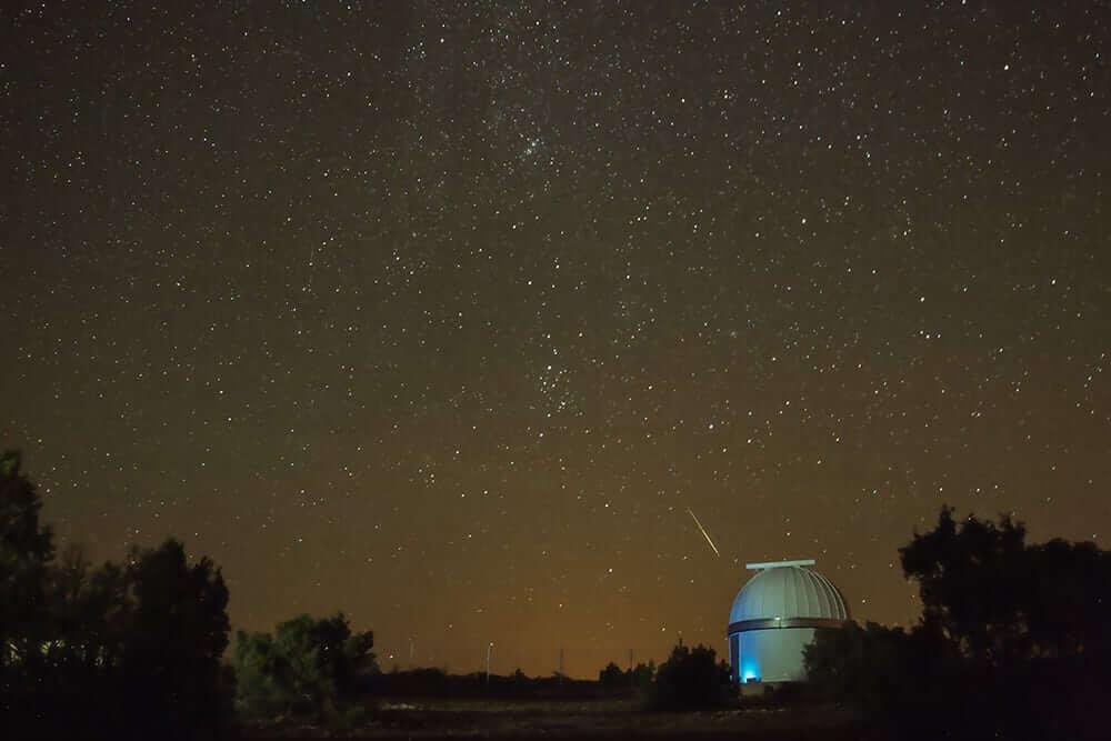 starlight reserve stargazing valencia shooting star