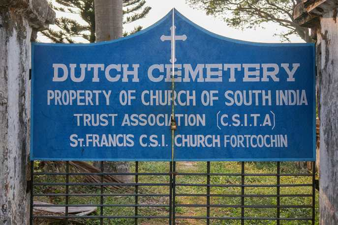 The Dutch Cemetery in Kochi is normally closed, but it can be open on request
