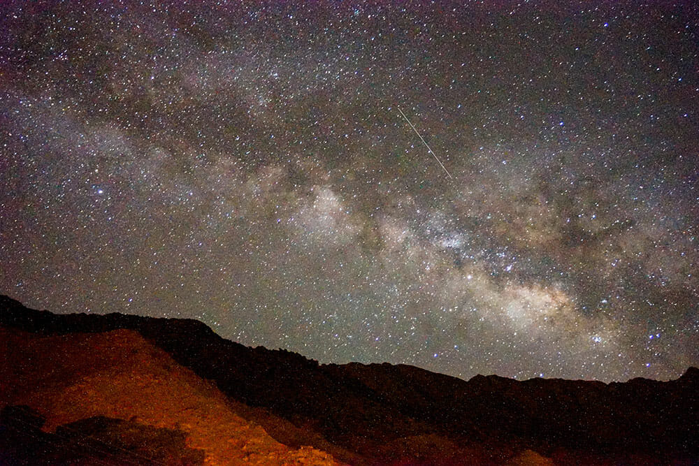 Image of a starry sky and the Milky Way