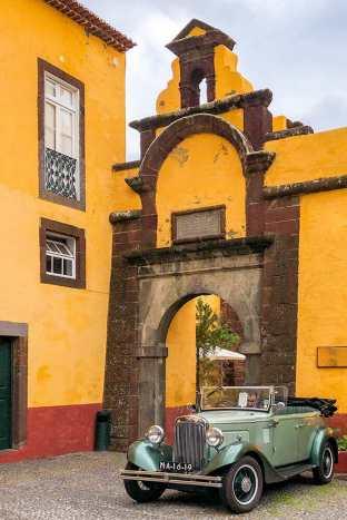 Sao-Tiago-Fortress,-Funchal-2