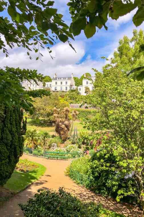 Candie-Gardens,-St-Peter-Port,-Guernsey