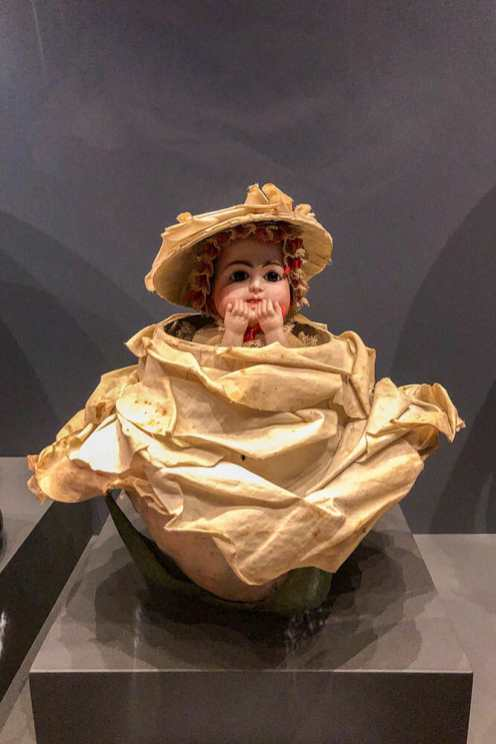 Doll-Museum-in-Rocca-de-Angero,-Lombardy