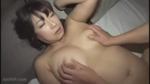 垂れ乳巨乳 中出しOKの肉便器美熟女人妻 宮部涼花