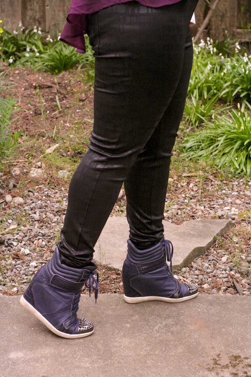 I'm Wearing: Hue's Satin Jean Leggings