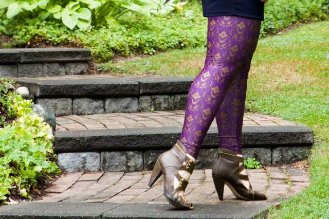 Bombsheller Deer Damask Leggings Review