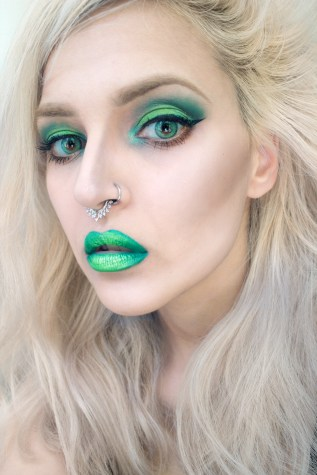 Green Mermaid Makeup - Batty Makeup