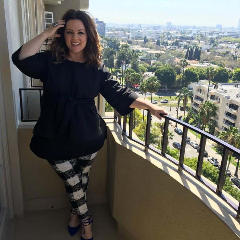 melissa mccarthy seven7 plaid pants balcony style outfit
