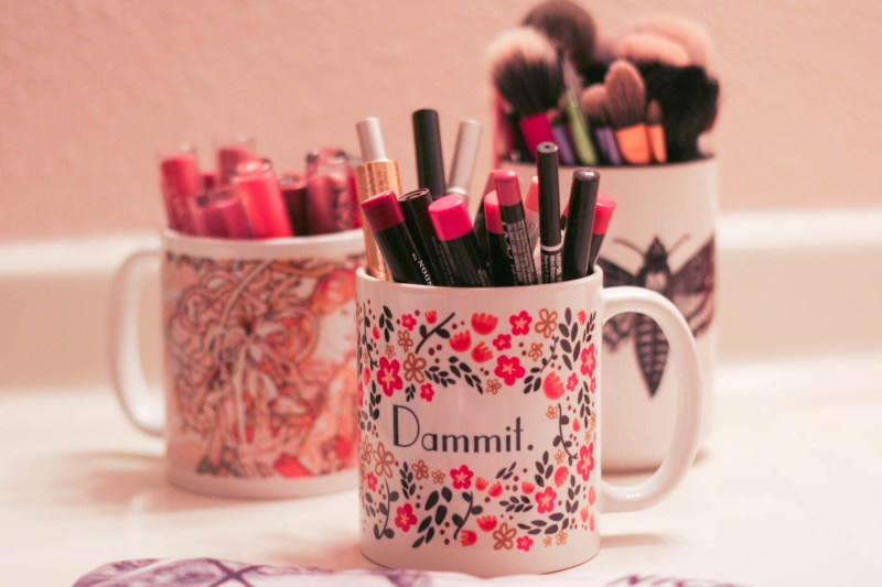 coffee mug custom art print lipstick organizer