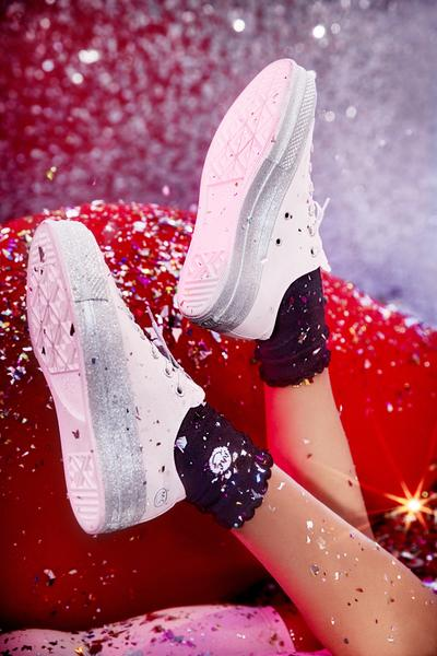 Miley Cyrus Converse Low Top Silver Glitter Platforms – Broke and ... 7f63bf318