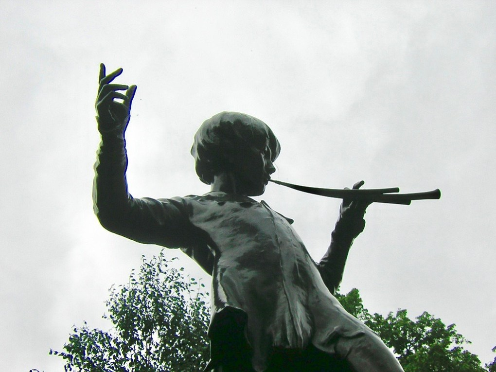 Peter Pan statue in London Kensington Gardens