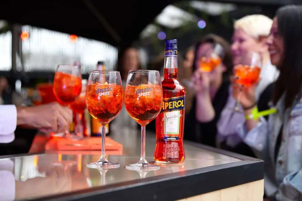 APEROL SPRITZ FOR THE NATION