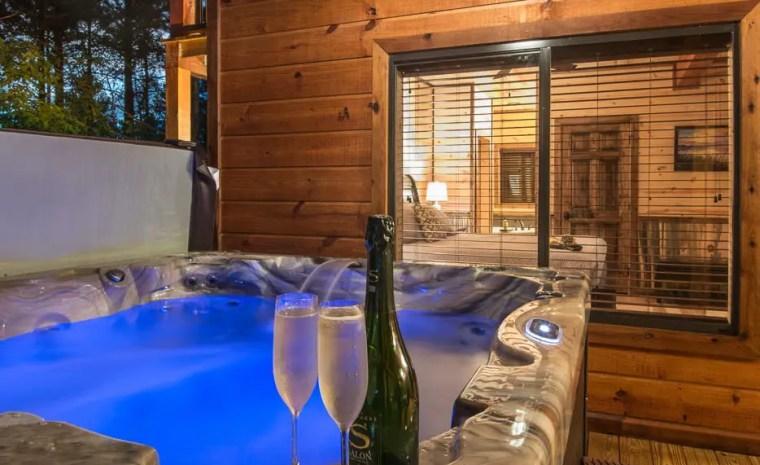 Broken Bow Lake Cabin Crystal Hot Tub