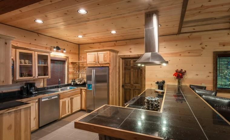 Broken Bow Lake Cabin Rental Gourmet Kitchen