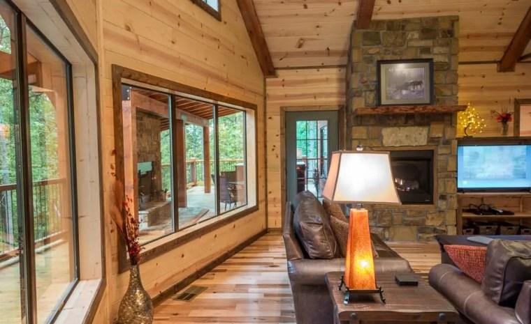 Broken Bow Lake Cabin Rental05