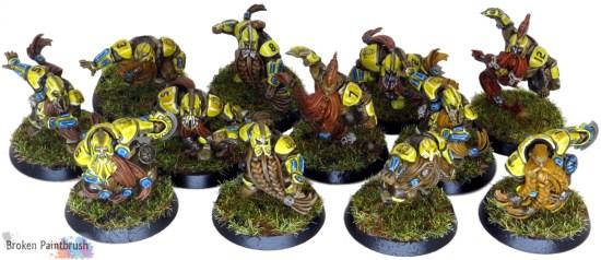 Dwarf Blood Bowl Team in Yellow
