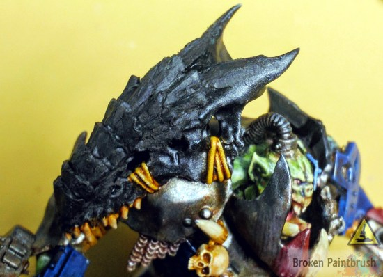 Sculpting tyranid skull onto megaboss