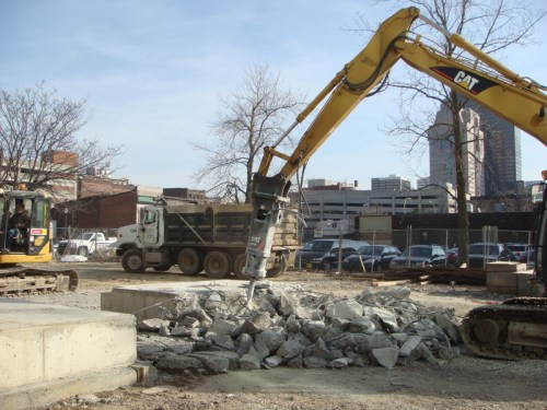 Removing the tower crane foundation