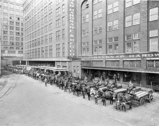 Belknap Hardware Buildings in 1929 (from U of L Photographic Archives)