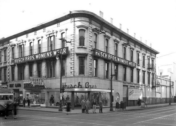 Husch Department Store at Fourth & Liberty Streets (UL Photographic Archives)