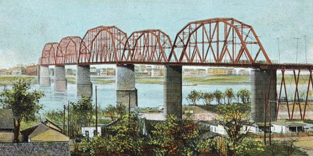 The Big Four Bridge in 1906 (Broken Sidewalk)