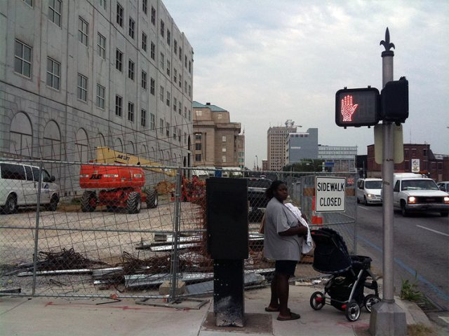 Sidewalk closed at West Broadway between 7th and 8th streets. (Erik Weber)