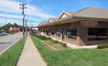 Retail on Taylorsville Road near Bardstown Road. (Branden Klayko)