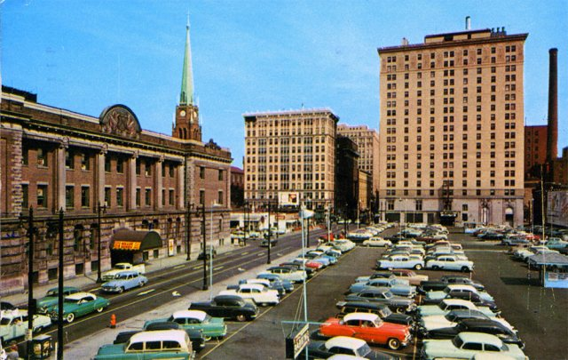 The armory and what was then Walnut Street circa 1960. (Courtesy Kentucky Digital Library)