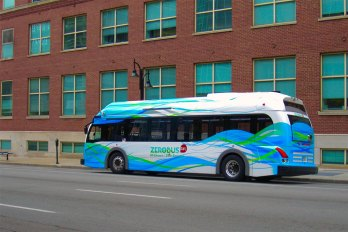 The electric downtown circulator bus is fare free. (Porter Stevens)
